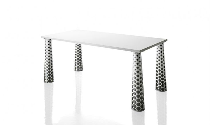 Tables. Material: legs in standard injection-moulded polycarbonate transparent clear or painted glossy white. Tops in MDF painted glossy white. Pattern options available: set of white sheets in art paper for customer's own pattern, set of patterns by Marcel Wanders or by Javier Mariscal.
