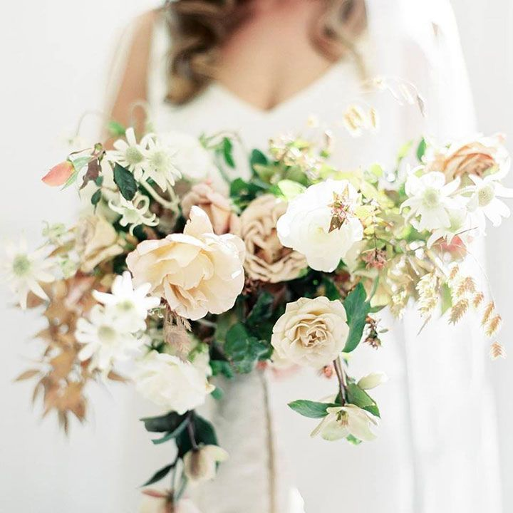 Neutral Palette For A November Wedding ~ This capure by Taralynn Lawton is as pretty as the bouquet by Studio Mondine