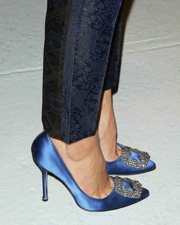 Hangisi 105 Royal Blue Satin Pumps Oh I Love You Manolo In 2019