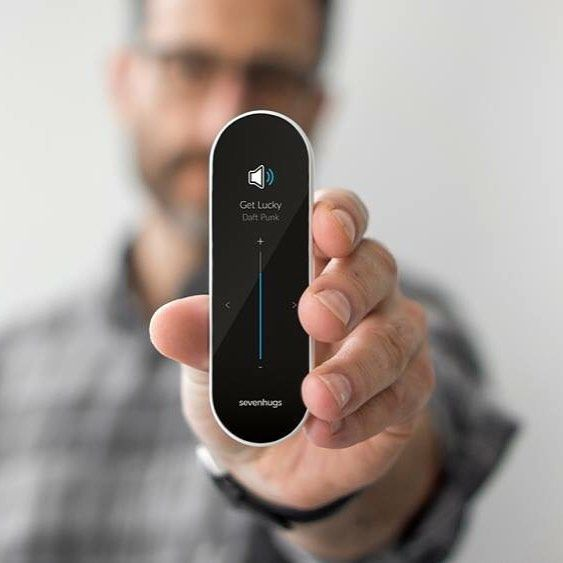 With the Smart Remote I can control my Sonos speakers in just one touch !                                    ||| Avec la Smart Remote j'allume mes enceintes Sonos en 1 clic ! #easy #smart #home #sonos #smarthome #connected #iot #speakers by sevenhugsofficial