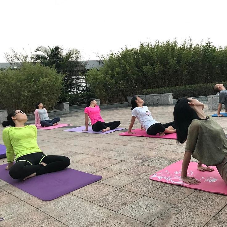 This is the most enjoyable moment during a working day! Keep it up #CHICMODA yoga team!  #sportswear #good #life #yoga #love #workout #exercise #yogapants #yogaleggings #keepfit #fitness #yogaexercise #yogaman #yogagirls #rooftop #officeyoga #healthy #goodnight #instayoga