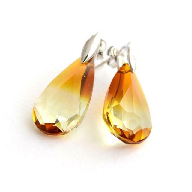 Swarovski earrings On Rhodium Plated Ear Studs on Carousell