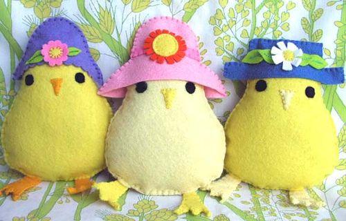 felt chicks in hats