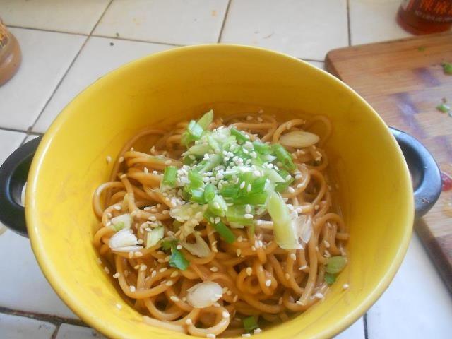 Pin Are Ramen Noodles Soup Manzara Restaurant Kartepe Dogo Argentino ...