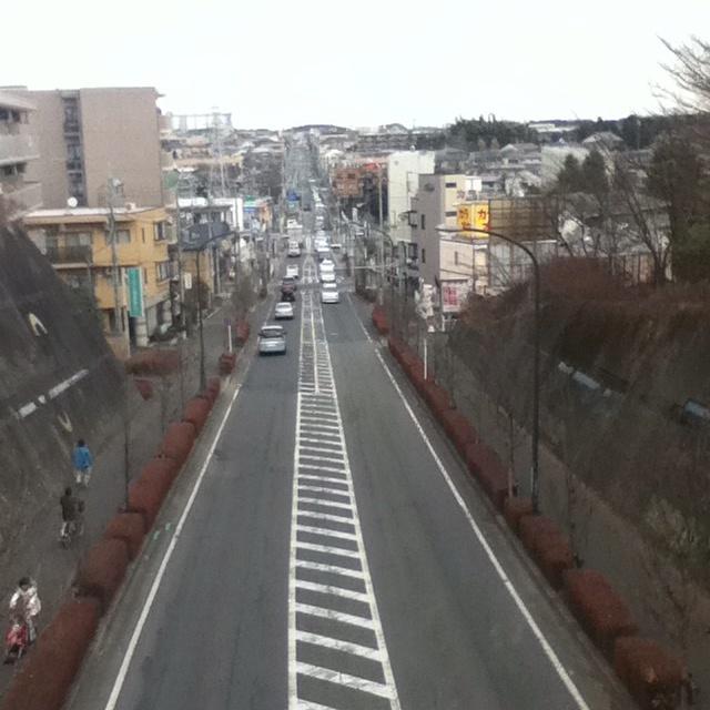 On Kamakuramichi bridge, Sagamihara, Japan