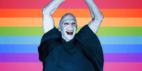 The Riddle Hips Don't Lie move | 22 Lord Voldemort Dance Moves You Need In Your Life
