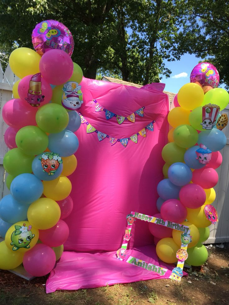 Shopkins party photo booth