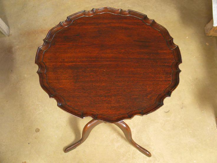 Check out how to use lacquer on antique furniture!  #DIY #woodworking