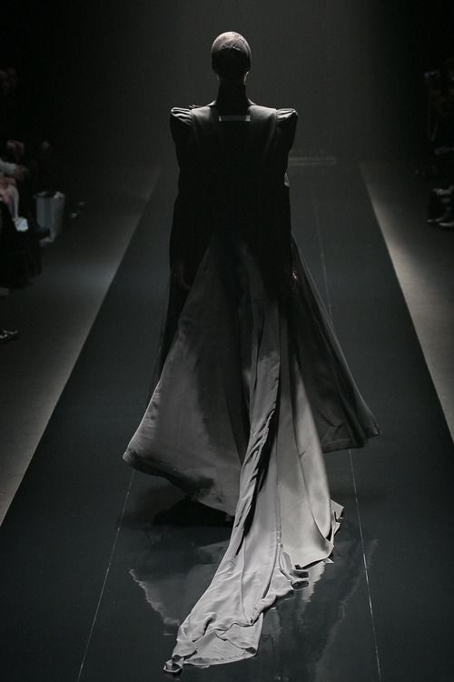 [No.26/55] alice auaa 2013~14秋冬コレクション | Fashionsnap.com