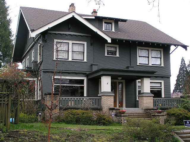 Craftsman style home mt tabor neighborhood portland for Craftsman exterior color schemes