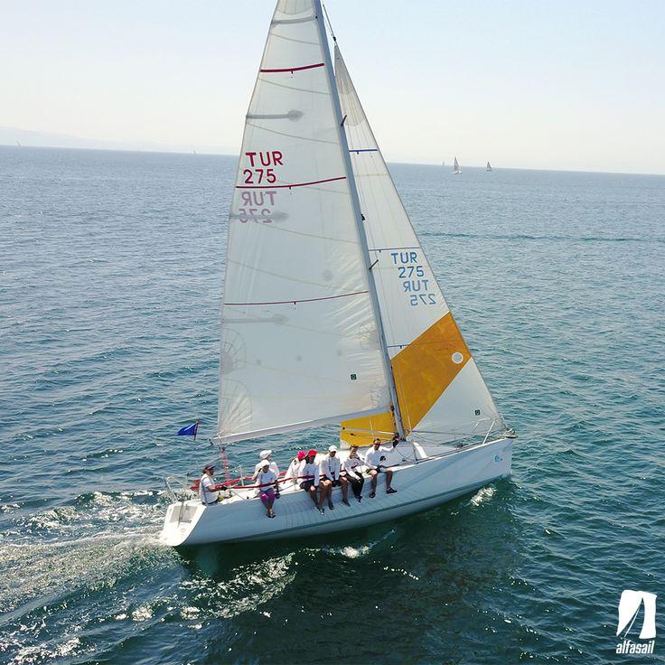 26 Ağustos Cumartesi günü Kalamış Yelken Kulübü Yat Yarışı 3. ayağına Şahin Akın kaptanlığında Alfasail Petek ile katılıyoruz. Yarış günü yaklaşık 5 kuvvetinde güneşli bir hava bekleniyor. Yarışa katılacak tüm ekiplere başarılar dileriz.   #alfasail #alfasailyelken #hayatımızyelken #gunesigortamary #sailing #yelken #alfasailpetek #alfasailfalcon #yelkenokulu #yelkenkursu