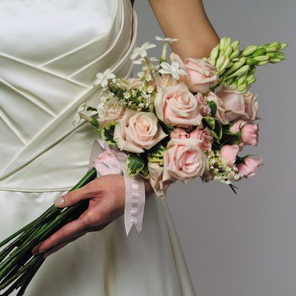 20 best images about Presentation Style Bouquets on ...
