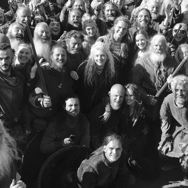 "105.6 mil curtidas, 972 comentários - Katheryn Winnick (@katherynwinnick) no Instagram: ""Vikings season 6.. here we go! ⚔️#Vikings"""