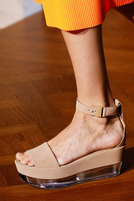 Stella McCartney spring 2013 #SS13 #Spring #Runway #Shoes #Flatform #nude #fashion #style #trends