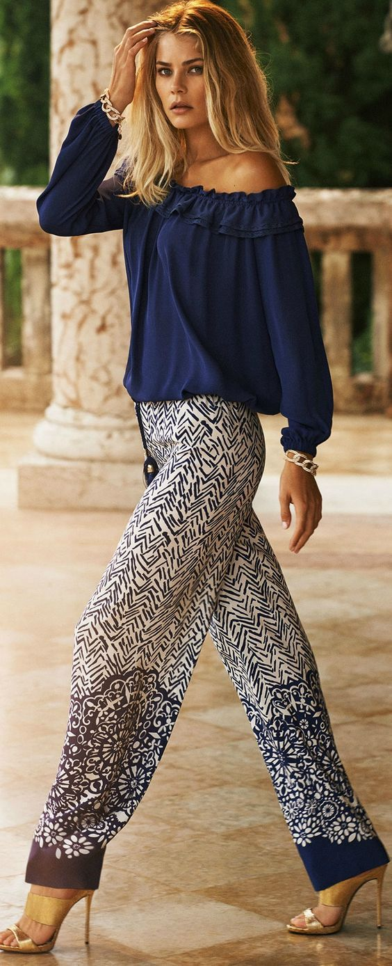 Navy blue blouse,print chiffon wide pants.Trend 2016