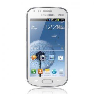 Samsung Galaxy S Duos ma ekran TFT o przekątnej 4 cali i rozdzielczości WVGA (480x800 pikseli). Wbudowany tylny aparat z autofokusem wykona zdjęcia w rozdzielczości 5 Mpx. Przedni, do wideorozmów, przekazuje obraz w jakości VGA (480 x 640 pikseli).  Za moc obliczeniową odpowiada procesor Qualcomm MSM7227A Snapdragon o częstotliwości 1 GHz, układ graficzny Adreno 200 oraz 512 MB pamięci operacyjnej. Pamięć wewnętrzna to 4 GB i można rozszerzyć ją dzięki wejściu na karty microSDHC (do 32 GB).