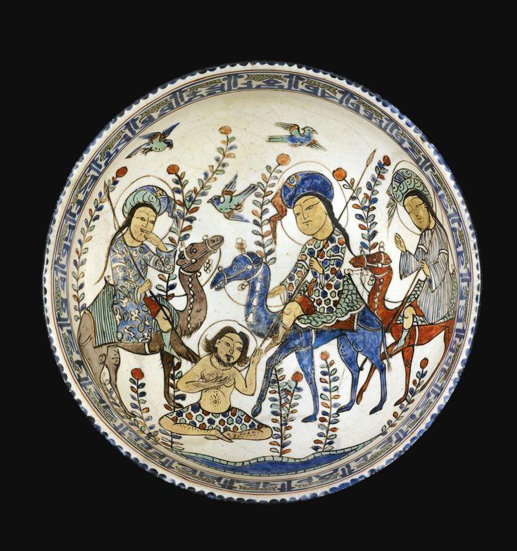 A fine and rare Kashan minai bowl, Persia, circa 1220 AD