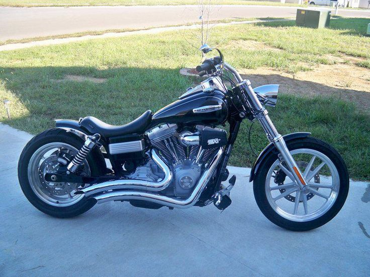 Doug's Harley Davidson Super Glide with custom pointed Voodoo Fender | Rocket Bobs