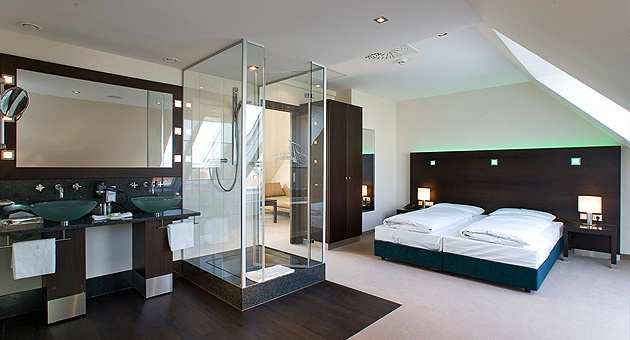 Fleming's Hotel Wien-Westbahnhof, Vienna. Stayed in May 2011. Nearby railway station and interesting room design.