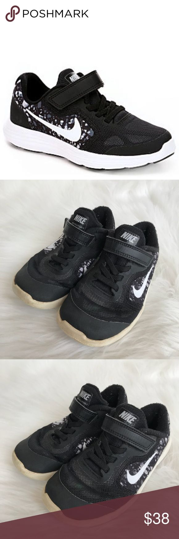 Nike Revolution 3 Toddler Sneaker Velcro Shoes Nike Revolution 3 Toddler Boy's Sneaker Velcro Shoes in Black & White! Looks just like an adult trainer & crafted for comfort with a light mesh upper, supportive synthetic overlays & a secure hook-and-loop strap! Mesh/synthetic upper. Lace-up front with adjustable Velcro strap. Size 10. Used condition. Some wear. CP3081112517 Nike Shoes Sneakers