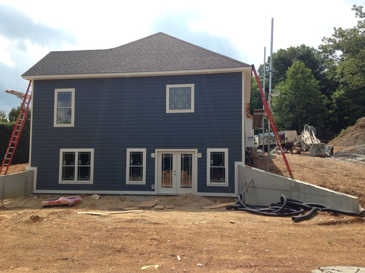Sideleft Side Of House Lp Smart Siding In Sherwin Williams