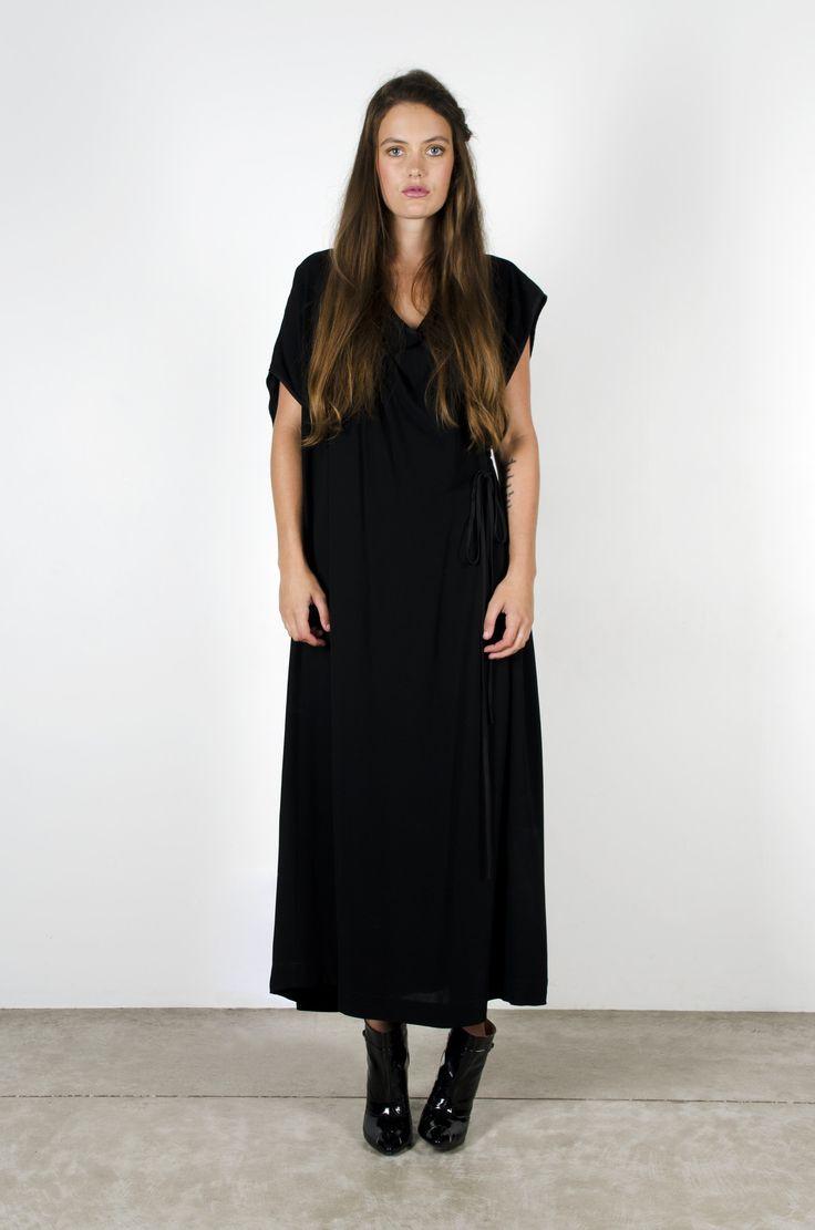 Spring Leap Dress Black – Miss Crabb
