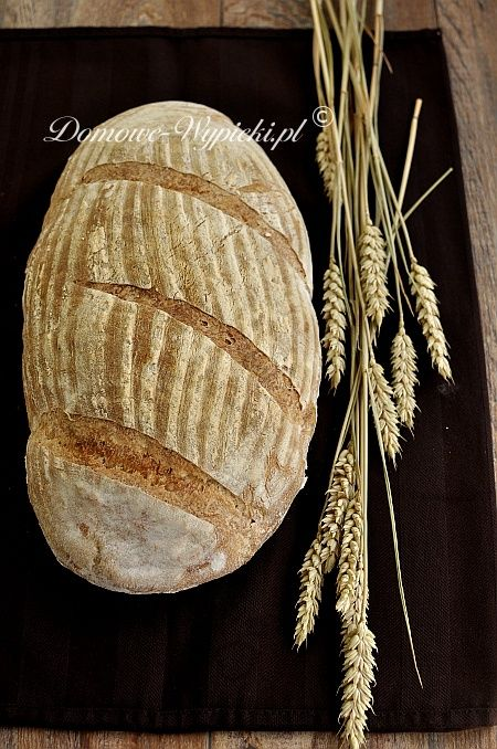 Chleb wiejski /Country bread -on Polish