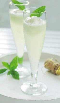 Een lekkere Scroppino Italia op basis van onze heerlijke Prosecco. De ideale verfrissing voor de warme zomeravonden!