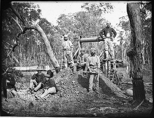 Gold minehead and seven miners, Gulgong, 1871-1875 / American & Australasian Photographic Company