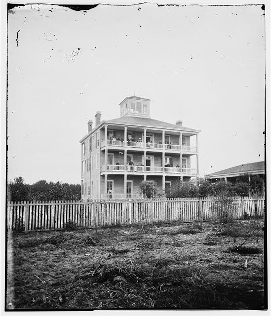 Southern Mansions, Abandoned