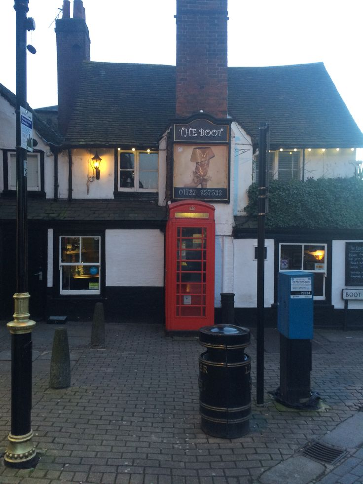 The Boot pub, St Albans, Herts, England