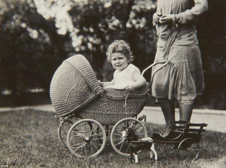 Photo published for Принцесса Лилибет: редкие детские фотографии Елизаветы II
