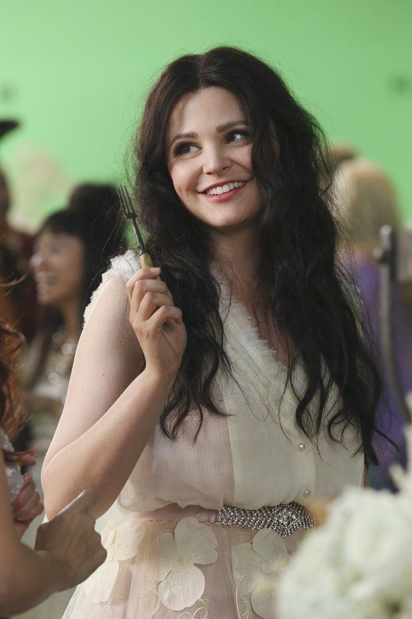 'Once Upon a Time' Behind The Scenes: Snow White in episode 306