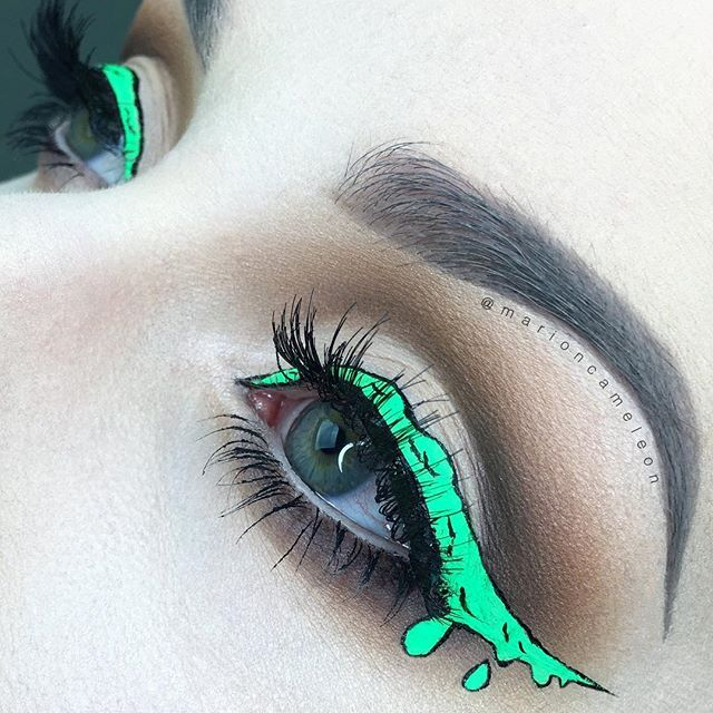 Feeling creative with this incredible Comic inspired dripping liner on @marioncameleon and topped off with our #SirenLashes! Repost: My attempt to the @janeenersss Drippy Liner SHADOWS : Modern Renaissance palette @anastasiabeverlyhills LINER : Blue Milk @limecrimemakeup mixed with Neon Green liner @stargazerproducts + Black contour with Ultra Liner @makeupatelierparis LASHES : Siren @houseoflashes #houseoflashes #lashgamestrong #lashes #wingedliner #makeupart #cutcrease #greeneyes