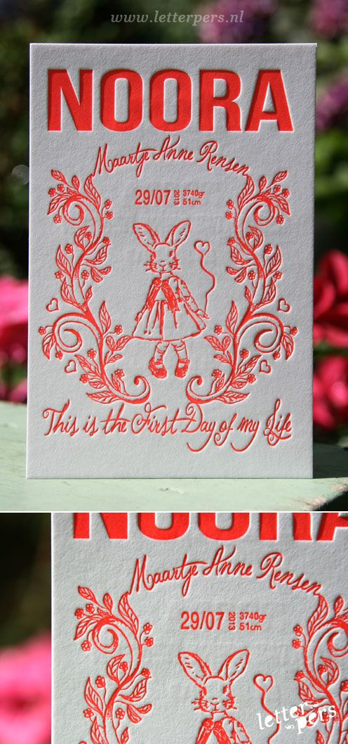 letterpers_letterpress_geboortekaartje_Noora_konijntje_bunny_tekening_fluor_rood_meisje_mooi
