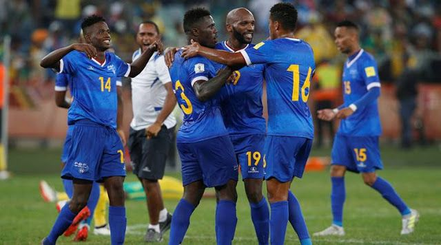 Cape Verde catapult into 2018 FIFA World Cup contention  Cape Verde upset South Africa 2-1 on Friday in Praia and repeated the feat to reach six points level at the top with Burkina Faso who were down to 10 men for 50 minutes but still forced a late equaliser to draw 2-2 with Senegal in Ouagadougou.  Tiny Cape Verde Islands catapulted themselves into surprise World Cup contention with a 2-1 victory away to South Africa on Tuesday as the identity of the African qualifiers for next years…