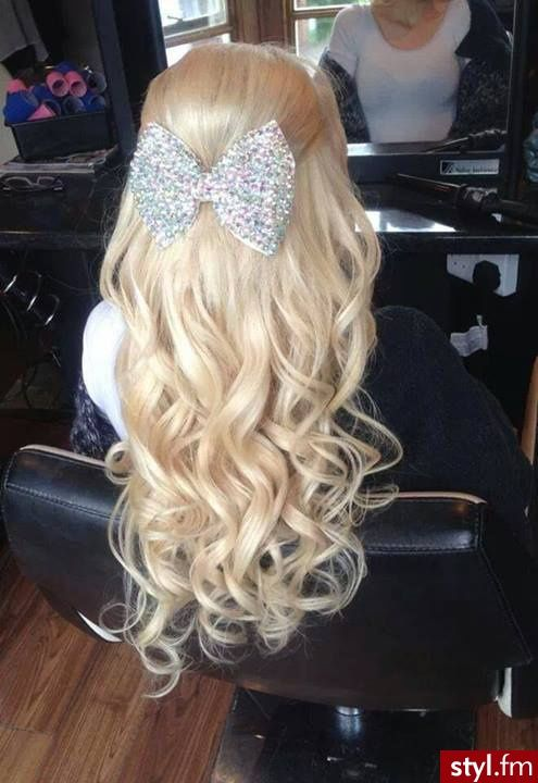 blonde curls with bow