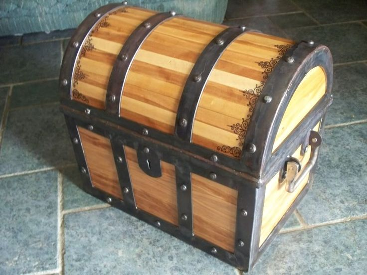 How To Build A Pirate Chest Toy Box - WoodWorking Projects & Plans