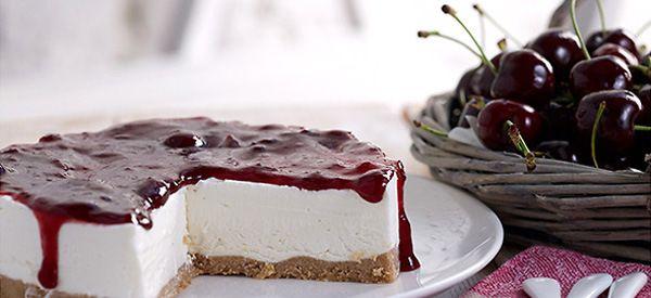Θεϊκό! Εύκολη συνταγή για παγωτό cheesecake με βύσσινο!