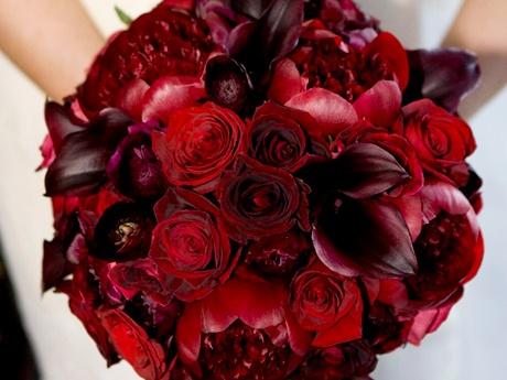 Mmmmmhmmmmm Like thisIdeas, Bridal Bouquets, Red Flower, Wedding Bouquets, Red Bouquets, Red Roses, Dark Red, Red Wedding Flower, Bridesmaid Bouquets