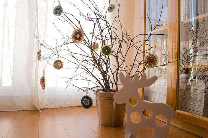Rbol de navidad con ramas secas y ganchillo la se orita - Ramas de arboles ...