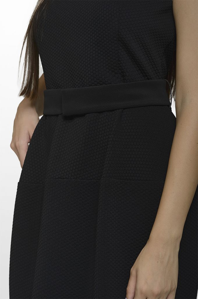 Sarah Lawrence - sleeveless belted dress.