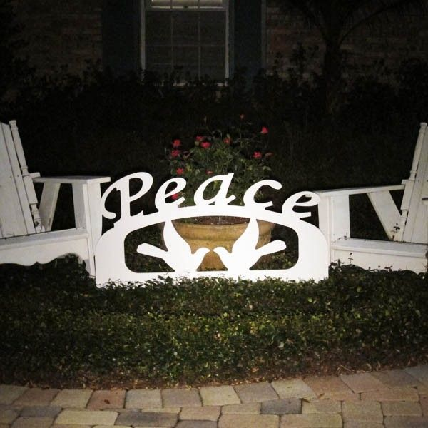 Outdoor christmas peace sign peace pinterest for Outdoor christmas signs
