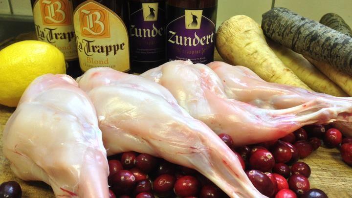 Recept: Konijnenbouten gestoofd in wildfond en trappist met puree http://brabantn.ws/IkF