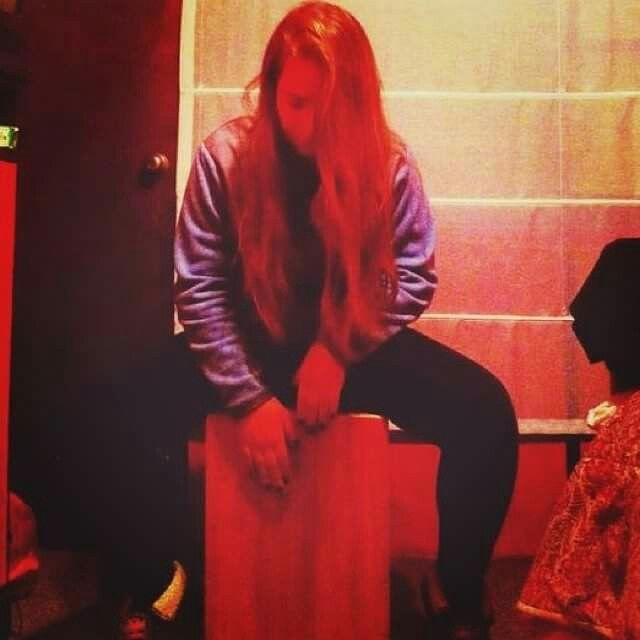 Desde el año 2012 en Cajones Flamentr3lok , las mujeres son protagonistas a la hora de tocar Cajón.  https://www.facebook.com/Cajones.flamentr3lok.chile/  Más información al correo info@flamentr3lok.cl