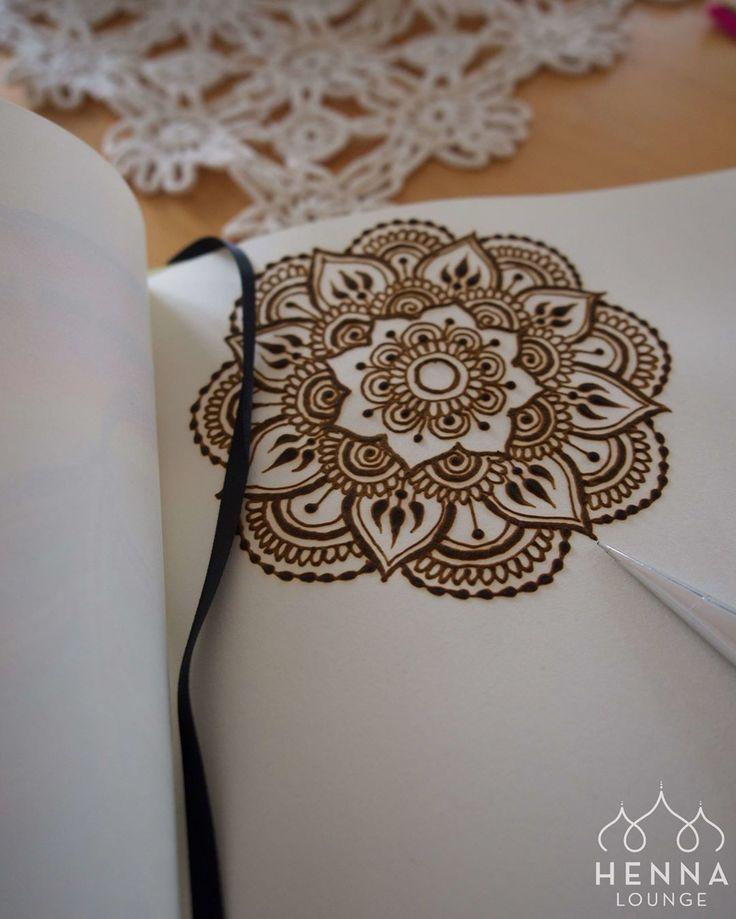 Simple Mandala Mehndi Design : Best handlettering henna images on pinterest