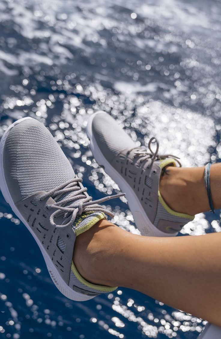Hanging in Sperry 7 SEAS, the next generation of boat shoes.