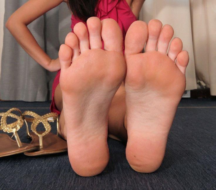 Ebony goddess french toes oily soles