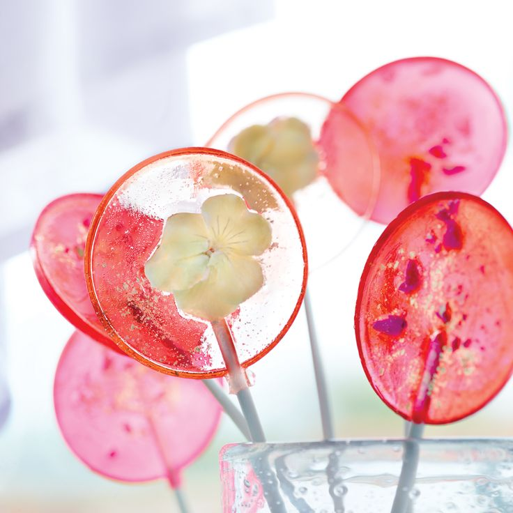 With flaked gold and floral adornments, your guests will think you spent a bundle on these lovely lollies.