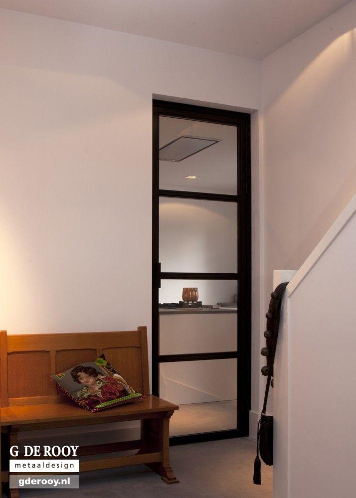 http://www.stalen-binnendeuren.nl/voorbeelden-stalen-deuren/5-stalen-binnendeuren-maatwerk-haarlem